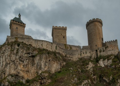 https://pixabay.com/en/foix-fortress-ramparts-tours-2119596/